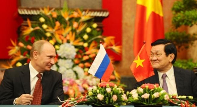 Việt - Nga ký hợp tác dầu khí, quốc phòng