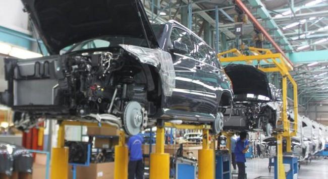 Công nghiệp ô tô Việt Nam: Khó cạnh tranh về giá và về chất