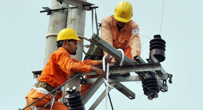 Giá điện tiếp tục tăng, EVN vẫn độc quyền