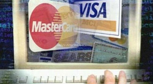 Thủ đoạn mua thẻ tín dụng: Trong các vụ lừa đảo tống tiền qua điện thoại