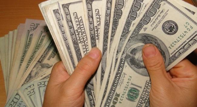 Nhiều kịch bản liều lĩnh tiêu thụ USD giả