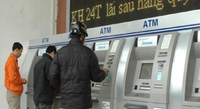 Tránh nghẽn ATM dịp Tết, doanh nghiệp có thể trả lương trực tiếp