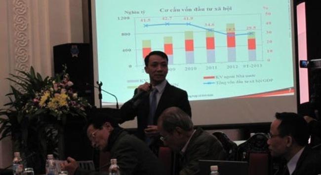 """Kinh tế Việt Nam: """"Cầm cự chờ nguồn lực mới"""""""