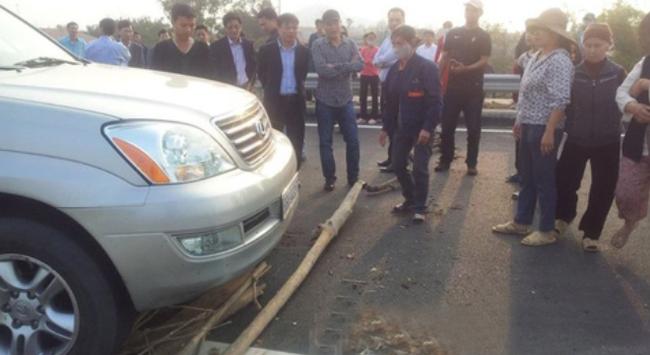 Vì sao Bộ trưởng cũng bị chặn xe, rải đinh?