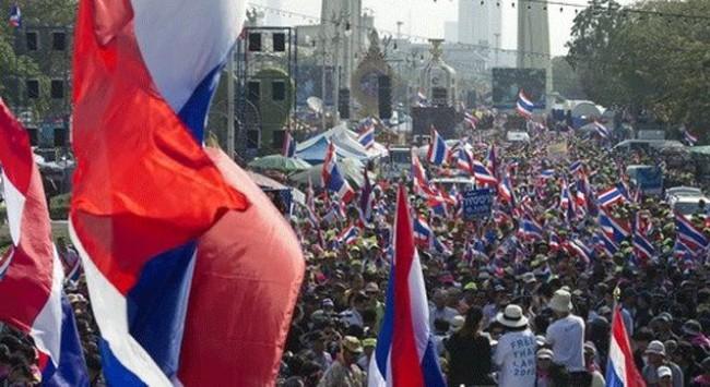 Thủ lĩnh biểu tình tuyên bố đóng cửa Thái Lan vô thời hạn