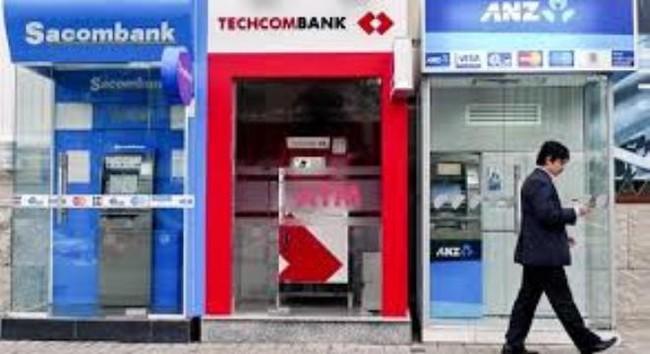 Máy ATM có đáp ứng nhu cầu rút tiền dịp Tết?