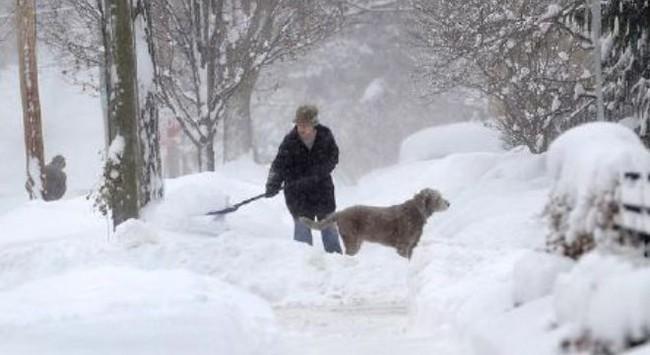 Bão tuyết trắng trời New York