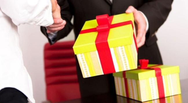 Các Bộ quyết liệt chống cấp dưới tặng quà Tết