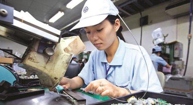"""Kinh tế Việt Nam """"thoát đáy"""" khủng hoảng"""