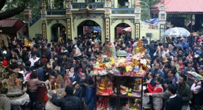 Hà Nội cấm công chức đi lễ hội trong giờ làm việc