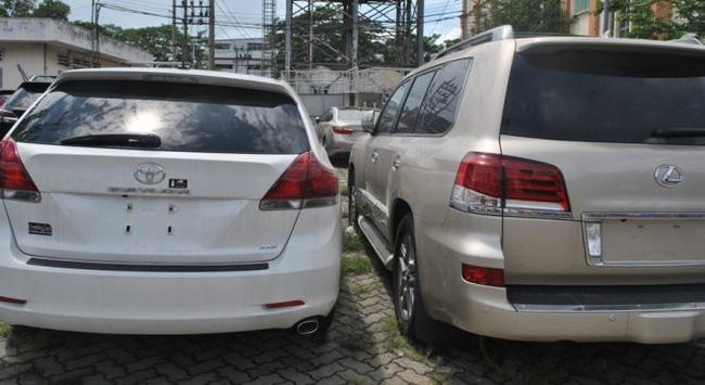 """TP.HCM: Gần 100 xe ô tô """"xịn"""" NK chưa có người nhận"""