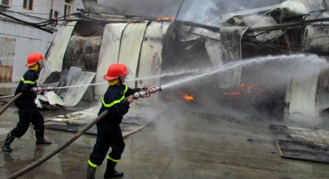 Hà Nội: Cháy lớn tại quận Hà Đông