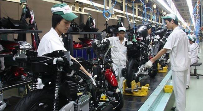 Xe máy Việt: Muốn sống thì... xuất ngoại