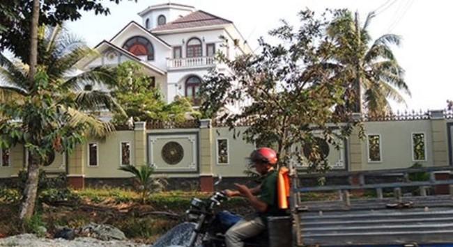 Vụ dinh thự ông Trần Văn Truyền: Báo cáo trung ương xin ý kiến