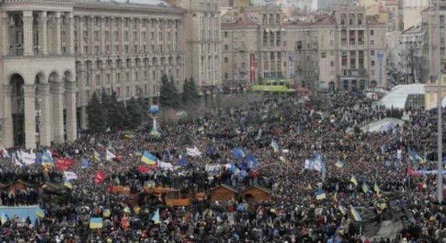 Nền kinh tế Ukraine bên bờ vực 'vỡ nợ'