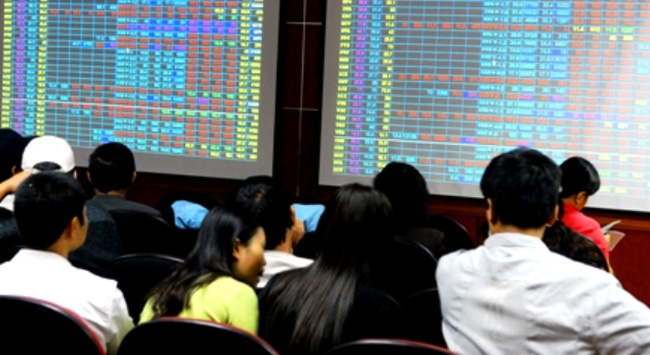 Thông tin điều chỉnh giảm lãi suất tác động tích cực tới TTCK