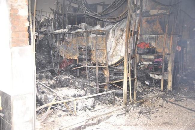 Cảnh chợ Phố Hiến hoang tàn sau cháy lớn