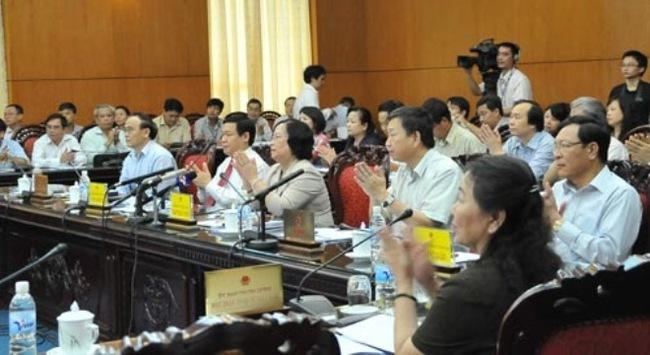 Chuẩn bị chất vấn Bộ trưởng Kim Tiến về y đức