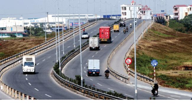 """Vận tải đường bộ: Chi phí cao do… quy định """"hở"""""""