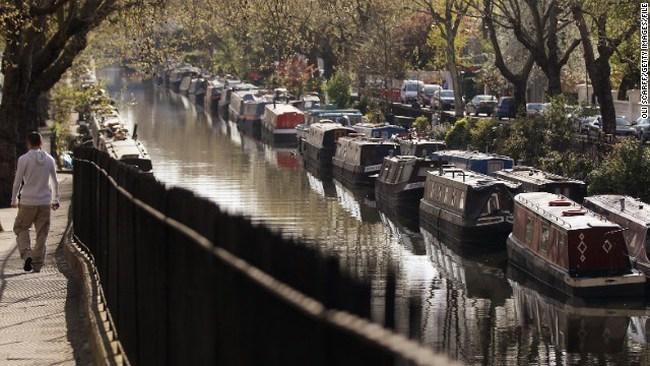 London: Giá nhà tăng cao, nhiều người chọn nhà thuyền an cư