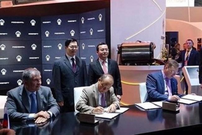 Việt Nam - Nga ký thỏa thuận thăm dò dầu mỏ