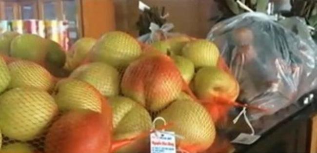 Tìm xuất xứ hoa quả tại sân bay Nội Bài