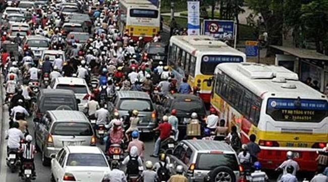 """Nhiều người dân """"tránh"""" phí bảo trì đường bộ xe máy"""