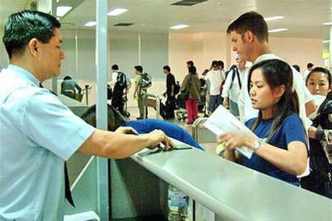 Hà Nội: Mới rà soát, chưa cắt giảm 10.000 lao động hợp đồng