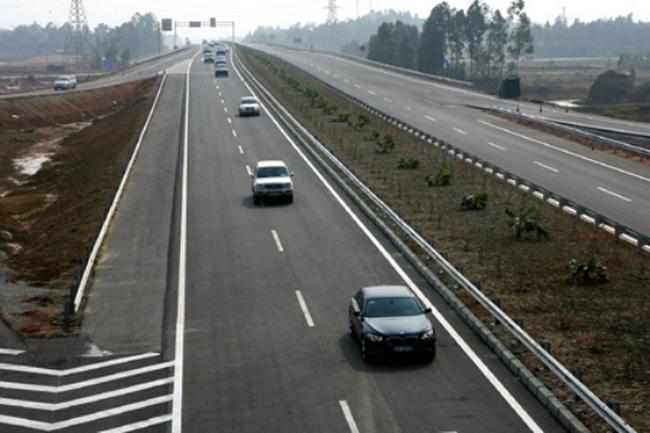 Bất cập thi công đường cao tốc Hà Nội - Lào Cai