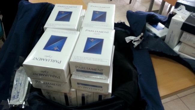 Đình chỉ bay tiếp viên trưởng Vietnam Airlines vì 38 cây thuốc lá