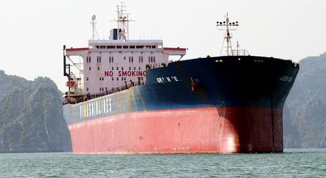 Những con tàu tiền tỉ mục nát vì bị bỏ hoang trên biển Quảng Ninh