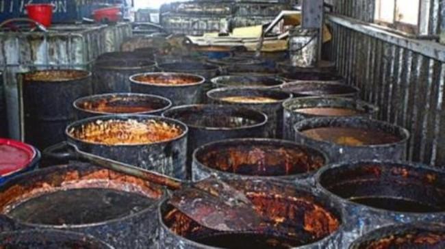 Rùng mình cảnh làm hàng trăm tấn dầu ăn bẩn từ chất thải nhà bếp, dầu nhờn