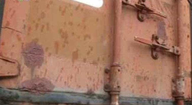 Bão số 3 đổ bộ Quảng Ninh, 6.000 lít dầu độc hại chưa được di dời
