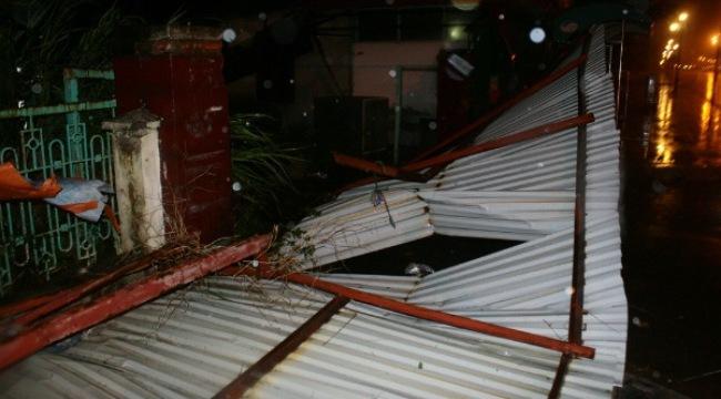 Bão số 3 đổ bộ vào Quảng Ninh, Hải Phòng gây mưa to, tốc mái nhiều nhà