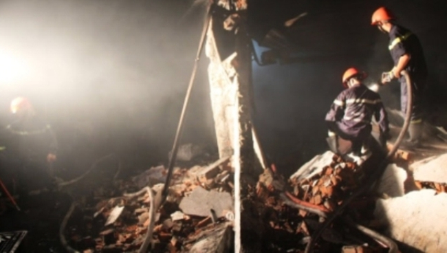 Cháy lớn thiêu rụi 1.000m2 xưởng sản xuất nhang đèn tại TP.HCM