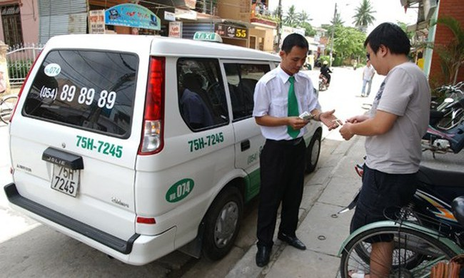 Giá cước taxi giảm còn 12.000 đồng/km