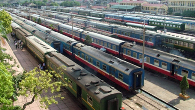 """Đại biểu quốc hội """"lo"""" ngành đường sắt không còn """"hành khách""""?"""