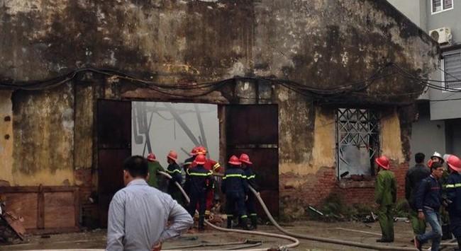 Hà Nội: Cháy khu xưởng trong Công ty Thiết bị Khí tượng Thủy văn