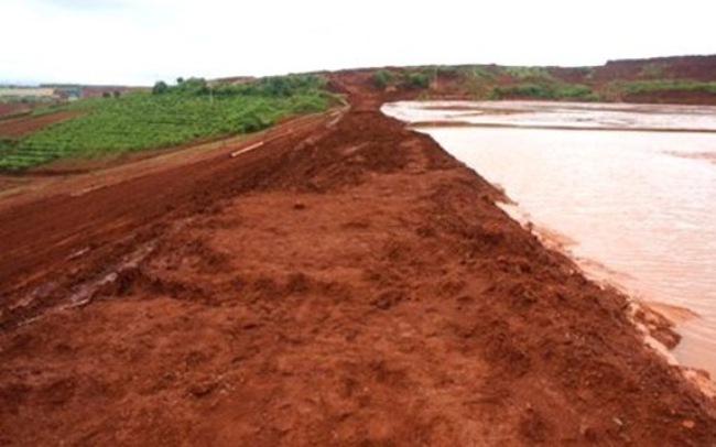 """Chính phủ yêu cầu kỷ luật vì """"sự cố bùn đỏ"""" ngày 8/10"""