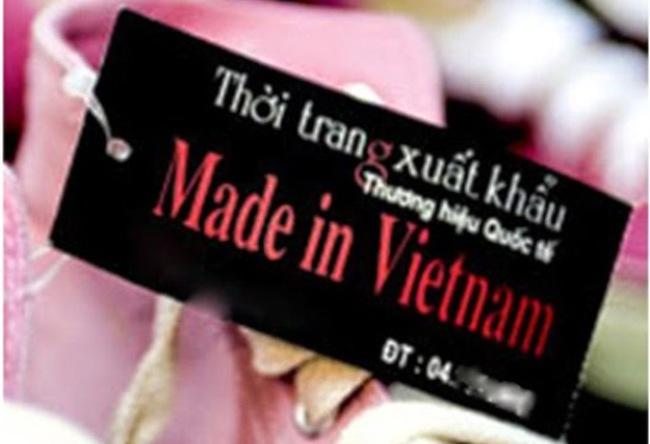 """Hàng lậu không nhãn mác """"biến"""" thành hàng """"Made in Vietnam"""""""