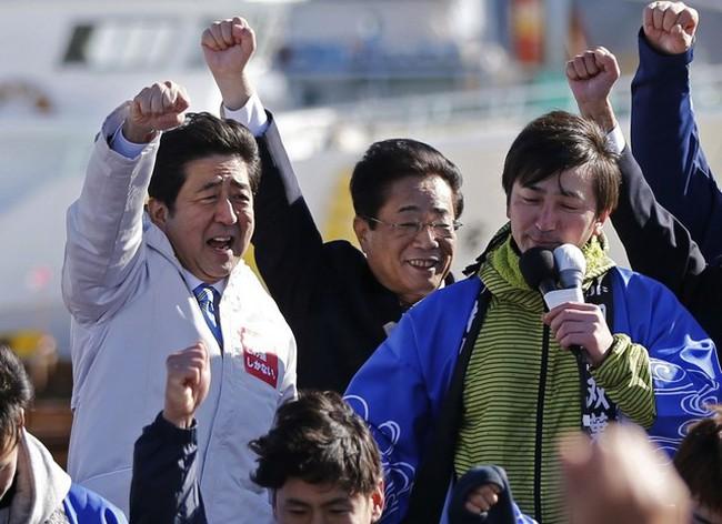 Bầu lại Hạ viện - quyết định mạo hiểm của Thủ tướng Shinzo Abe
