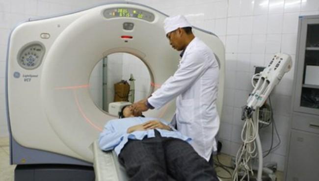 Thiết bị y tế: Ruột Tàu lại gắn mác Tây