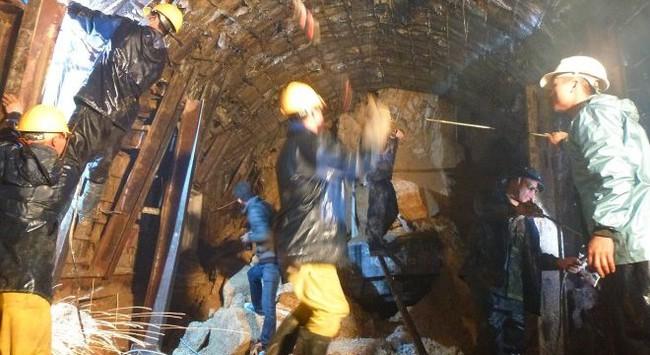 Sập hầm thủy điện: Có thể 2 ngày nữa mới đưa được nạn nhân ra ngoài