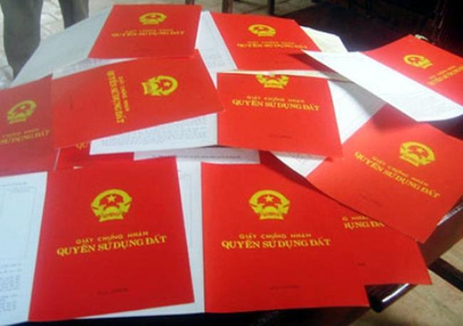 Tranh cãi xung quanh việc cấp sổ đỏ cho dự án vi phạm