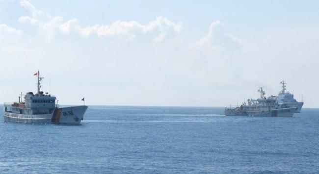 Tàu Trung Quốc tốc độ cao áp sát tàu Kiểm ngư ở khoảng cách 10-30m