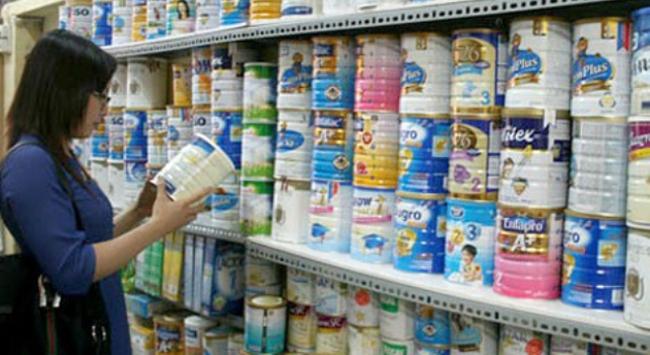 Những kẽ hở trong áp trần giá sữa