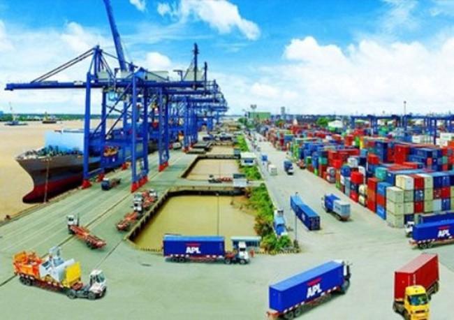 """TP.HCM nỗ lực """"khơi thông"""" ách tắc tại cảng Cát Lái"""