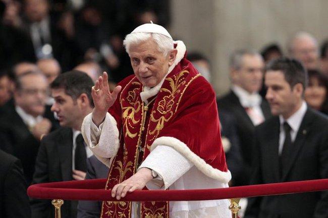 """Giáo hoàng Benedict XVI thoái vị """"vì lý do sức khỏe"""""""