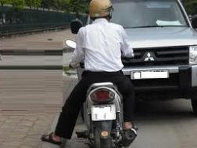 CEO Porsche Việt Nam: ''Một quốc gia không thể phát triển trên yên của chiếc xe máy''