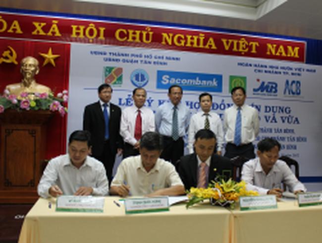 OCB dành 70 tỷ đồng cho DN Quận Tân Bình vay lãi suất 13%